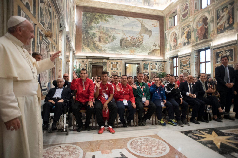 Papa Francesco:  Non stancatevi di mostrare al mondo dello sport il vostro impegno condiviso per costruire società più fraterne