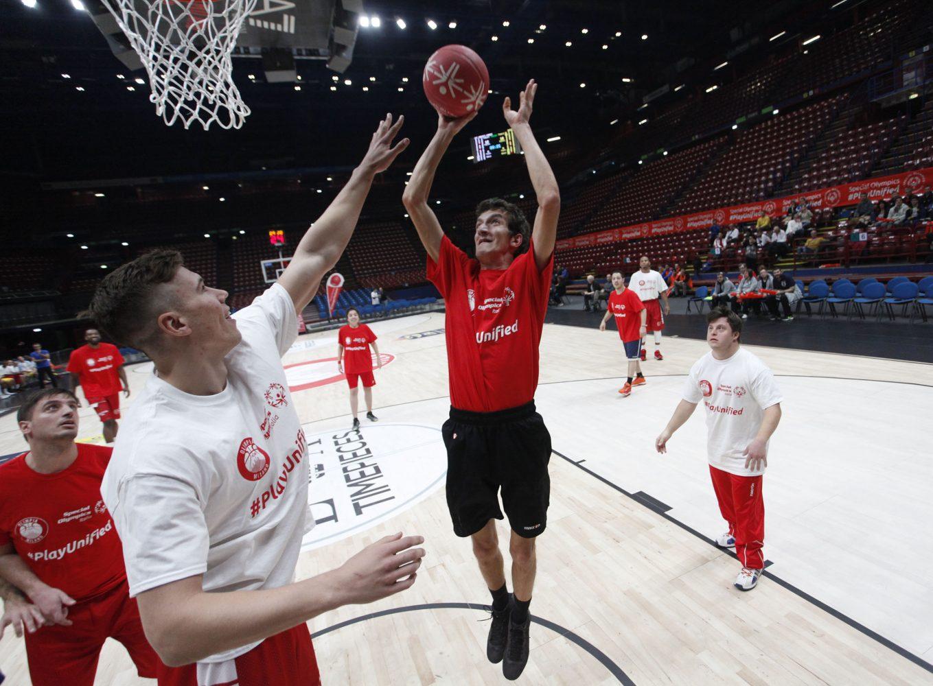 L'Olimpia Milano veste i colori dello sport unificato