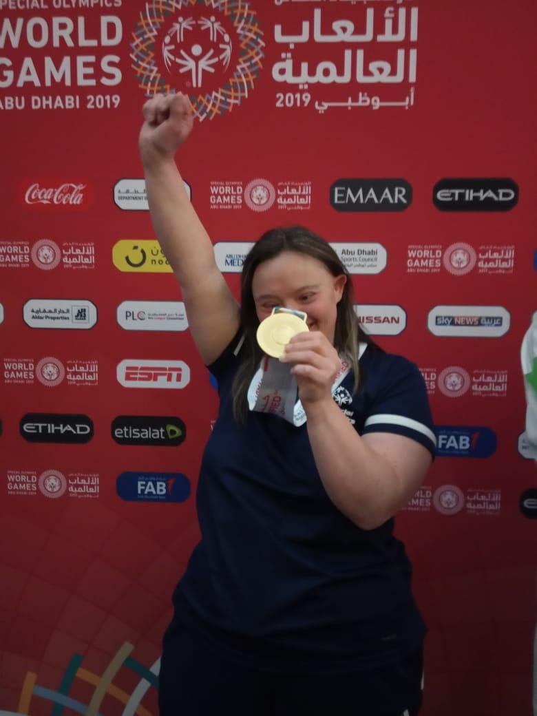 L'Azzurro che trionfa ai Giochi Mondiali Special Olympics di Abu Dhabi
